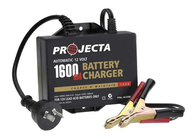 PROJECTA Battery Charger Onboard 2.5Amp AC250B Sparesbox - Image 1